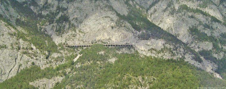 Sehenswertes entdecken und spektakuläre Aussichten genießen mit der Mittenwaldbahn