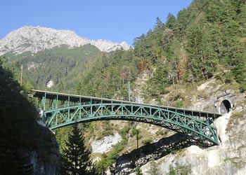 Schlossbachgrabenbrücke